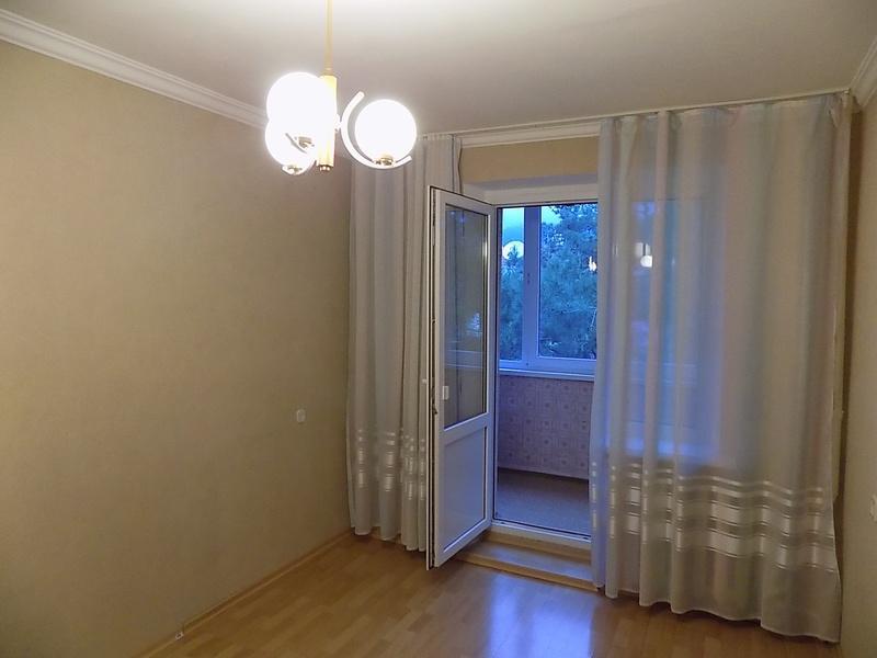 Продам 3-комн. квартиру, геленджик, нахимова ул., - 570000.