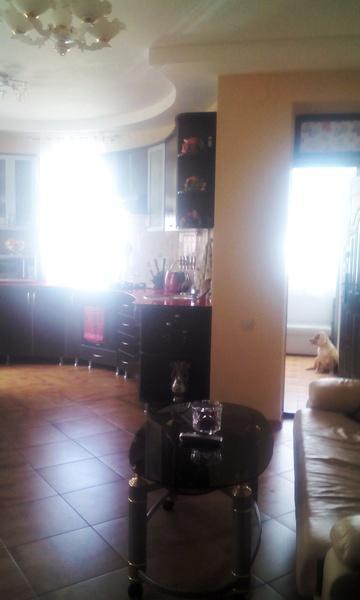 Продам 2-комн. квартиру по адресу Россия, Краснодарский край, Геленджик, Озерная ул., 40 фото 3 по выгодной цене