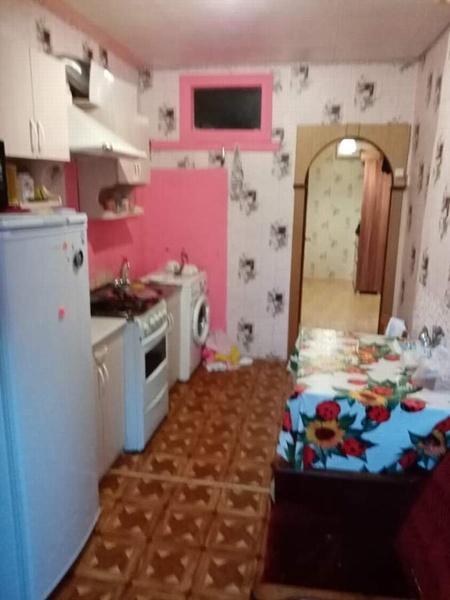 Квартира на продажу по адресу Россия, Краснодарский край, Темрюкский район, Старотитаровская, Комсомольская ул.