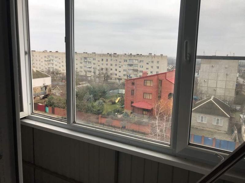 Квартира на продажу по адресу Россия, Краснодарский край, Темрюкский район, Темрюк, Октябрьская ул., 133